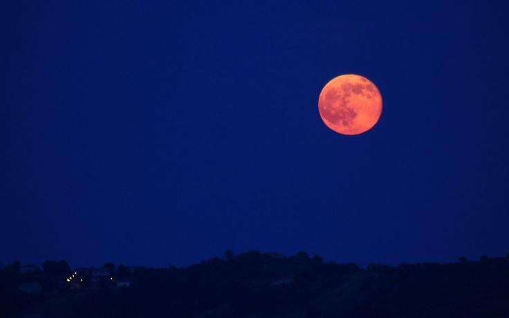 strawberry0615-moon.jpg