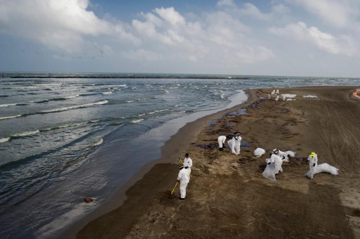 Grand-Isle-Louisiana_oil-spill-004161.jpg